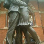 <em>'The Meeting Place' </em><br />9 metre high, 20-tonne bronze statue
